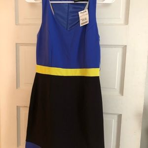 Dress Cynthia Rowley.